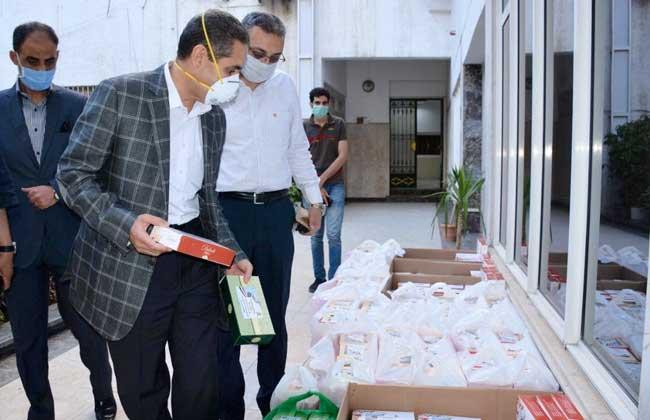 محافظ الغربية توزيع كحك العيد على الأطقم الطبية والمرضى بمستشفيات العزل   صور