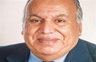 وفاة الكاتب الصحفي أمين محمد أمين أحد أعمدة الكتابة في الشأن العربي