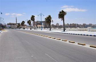 في أول أيام العيد.. شواطئ وشوارع كورنيش مطروح خالية من الرواد والمارة | صور
