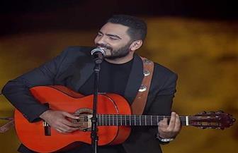 تامر حسني يشعل مسرح الصوت والضوء بأحدث أغانيه في عيد الفطر | صور وفيديو