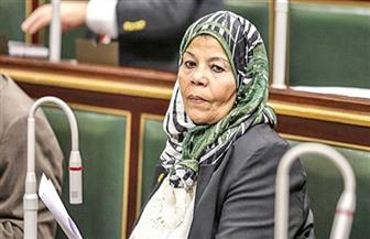 """نائبة برلمانية تتقدم بسؤال للحكومة: هل استخدام """"الكمامة القماش"""" تحمي من الإصابة بفيروس كورونا؟"""