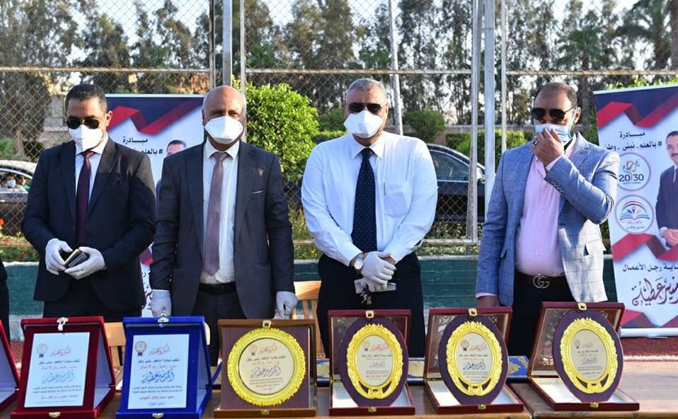 تكريم أعضاء الفريق الطبي بعزل المدينة الجامعية في سبرباي