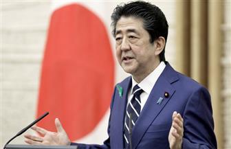 رئيس وزراء اليابان يبحث مع خبراء تمديد حالة الطوارئ حتى 31 مايو