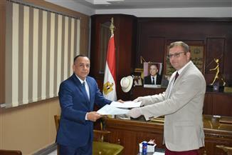 مصطفى وزيري يلتقي سفير التشكيك بالقاهرة لمناقشة إقامة معرض للآثار المصرية ببراغ