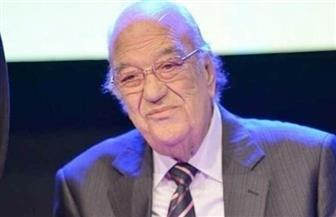 تفاصيل لحظات الوداع الأخيرة لحسن حسني قبل دفنه