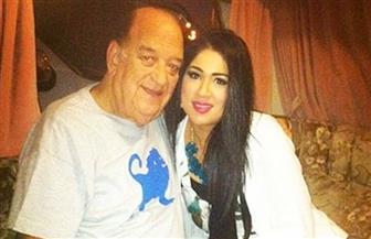 بعد 7 سنوات من الحزن والاكتئاب.. صورة نادرة لحسن حسني مع ابنته الراحلة إثر إصابتها بالسرطان