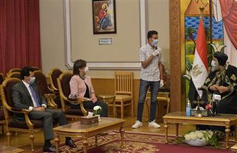 وزيرا الشباب والهجرة يشكران البابا تواضروس على جهوده في إعادة ومساعدة المصريين العالقين في كينيا| صور