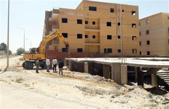 رئيس جهاز مدينة العبور: تنفيذ 20 قرار غلق وتشميع لمخالفة الترخيص واسترداد قطعة أرض | صور
