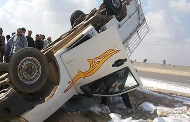 التحقيق في انقلاب سيارة على الطريق الصحراوي الشرقي في أطفيح