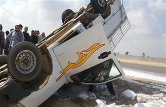 إصابة 3 في انقلاب سيارة ربع نقل بالوادي الجديد