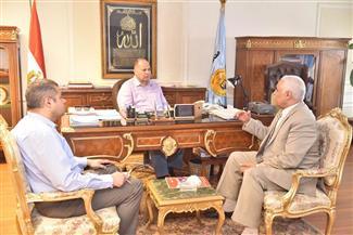 محافظ أسيوط يلتقي وكيل وزارة التربية والتعليم