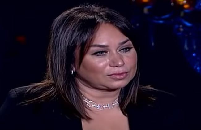 إنجي علي:  أدوار المجاملة سر فشلي في التمثيل.. ومفيش منافسة بيني وبين منى الشاذلي   فيديو -