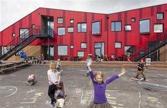 المدارس البريطانية تستقبل التلاميذ من جديد وسط انتقادات شديدة