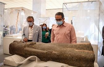 وزير السياحة والآثار يقوم بجولة تفقدية  داخل متحف الحضارة