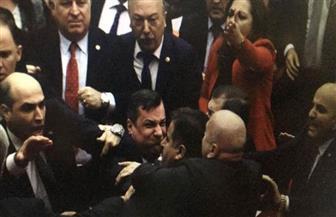 """مشاجرات في البرلمان التركي بسبب قانون """"ميليشيات الشوارع"""".. والمعارضة: أردوغان ينشئ """"جيشا مواليا له"""""""