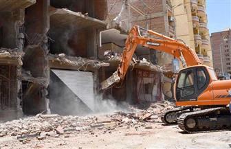 رئيس حي المطرية يشرف على حملات لرفع الإشغالات وإزالة البناء المخالف