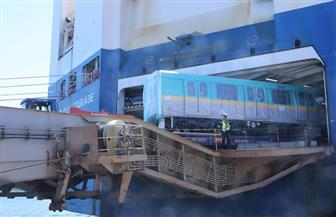 وصول أول قطار مترو جديد ضمن صفقة تضم 32 قطارا مكيفا للعمل بالخط الثالث | صور