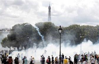 شرطة باريس تطلق الغاز المسيل للدموع على مظاهرة للعاملين بالصحة