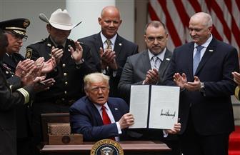 ترامب يوقع أمرا تنفيذيا لإصلاح الشرطة.. ورئيسة النواب الأمريكي: ضعيف ولن يقضي على الظلم العنصري