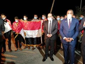 أحد المصريين العائدين من ليبيا: ورانا رئيس وجيش قوي.. والله أكبر على بلدنا
