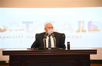 محافظ بورسعيد يوجه بإيقاف تراخيص البناء لحين توافر الاشتراطات البنائية والجراجات  صور