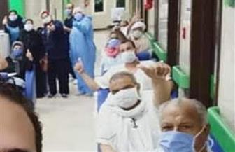 خروج  14 حالة تعافٍ من فيروس كورونا من مستشفى العزل بإسنا جنوب الأقصر  صور