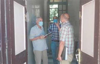 رئيس مدينة إسنا يتفقد سير العمل داخل مستشفى الصدر للاطمئنان على مصابي فيروس كورونا | صور