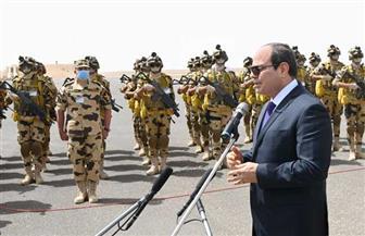 الرئيس السيسي يستمع لشرح قائد الفرقة 21 حول جاهزية عناصر المنطقة العسكرية الغربية