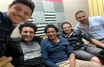 """بخلطة الأبنودي ومحمد رحيم.. """"الناس في بلادي"""" جديد الكينج محمد منير  صور"""