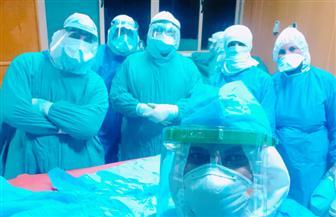 فريق طبي بجامعة أسيوط ينجح في إنقاذ مسن مصاب بكورونا من جلطة بشرايين الطرف السفلي