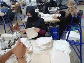 محافظ بورسعيد يوجه الشكر لمصانع الشباب لإنتاجها 3 ملايين كمامة لطلاب الثانوية العامة | صور
