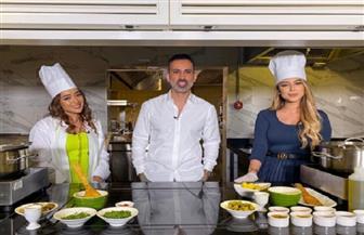 جميلة البدوي ويسرا سعوف في تحدي الطبخ بـ «The Insider» | فيديو