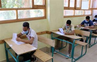 طلاب الثانوية «STEM» يؤدون امتحان مادة اختبار القبول بالجامعات اللغة الإنجليزية