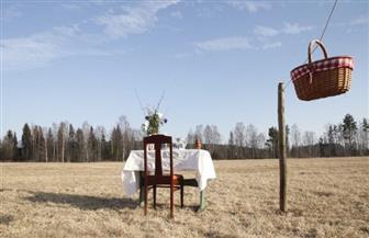 «مطعم لزبون واحد» .. كيف تقدم مطاعم الريف السويدي خدمات جيدة بعيدا عن خطر كورونا