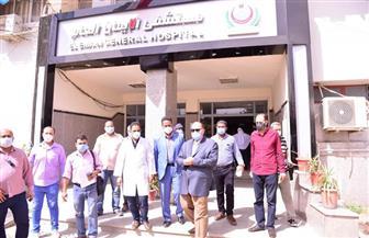 محافظ أسيوط يتابع سير العمل بمستشفيات الإيمان والشاملة | صور