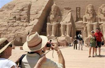"""الحكومة: تطبيق رسوم تأشيرة دخول على السائحين الوافدين إلى المحافظات السياحية """"شائعة"""""""