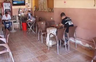 ضعف الإقبال في اليوم الأول لعودة العمل بالمقاهي والكافيهات بالفيوم