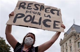 """تظاهر زوجات رجال الأمن في فرنسا لحث الحكومة على """"احترام الشرطة"""""""