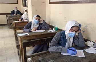 انطلاق امتحان مادة الحديث للثانوية الأزهرية بالقليوبية بعد خضوع الطلاب للكشف الحراري