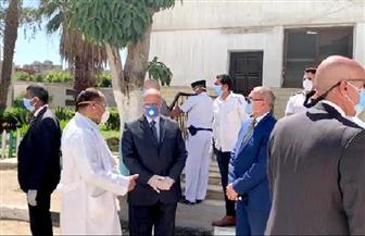 محافظ القاهرة يتفقد مستشفى صدر العباسية ويطمئن على توافر المستلزمات الطبية
