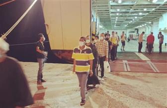 وزير النقل يتابع وصول 348 راكبا مصريا من العائدين من الأردن | صور