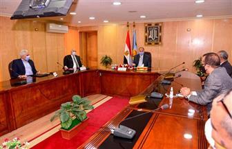 محافظ أسيوط يترأس اجتماع اللجنة العليا لإدارة أزمة «كورونا»