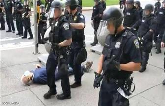 فيديو «مأساة المسن» يهز أمريكا.. واستقالة ضباط بعد «العقوبة»