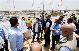 وزير الإسكان يتفقد مشروع «صواري - منطقة غرب كارفور» بالإسكندرية | صور