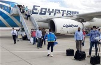 عبر 10 رحلات طيران .. عودة 1710  عمال مصريين من العالقين بالكويت إلى البلاد اليوم