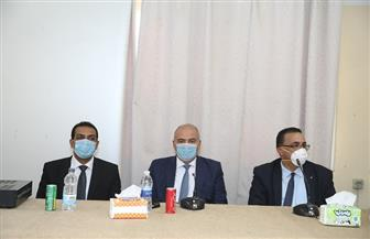 محافظ قنا: زيادة الوحدات الصحية في القرى إلى 45 وعودة 90 طبيبا للعمل بها| صور