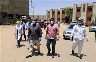 لجنة إدارة أزمة «كورونا» تتابع سير العمل بمستشفى الصدر بالسويس | صور