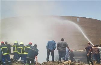 السيطرة على حريق نشب في ترنشات مخلفات خطوط بترول