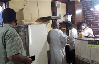 حملة مكبرة على المقاهي والمحال العامة بمدينة القرنة غرب الأقصر| صور