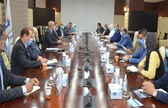 وزيرا الإسكان والتنمية المحلية و3 محافظين يناقشون تعديل الاشتراطات التخطيطية والبنائية